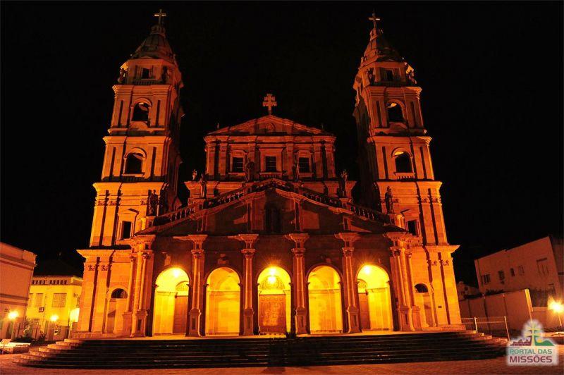 933546af7ff2a Catedral Santo Ângelo. A primeira foi construída em 1706 na Redução de San  Ángel Custódio. A segunda foi uma pequena construção do século 19 para  atender à ...